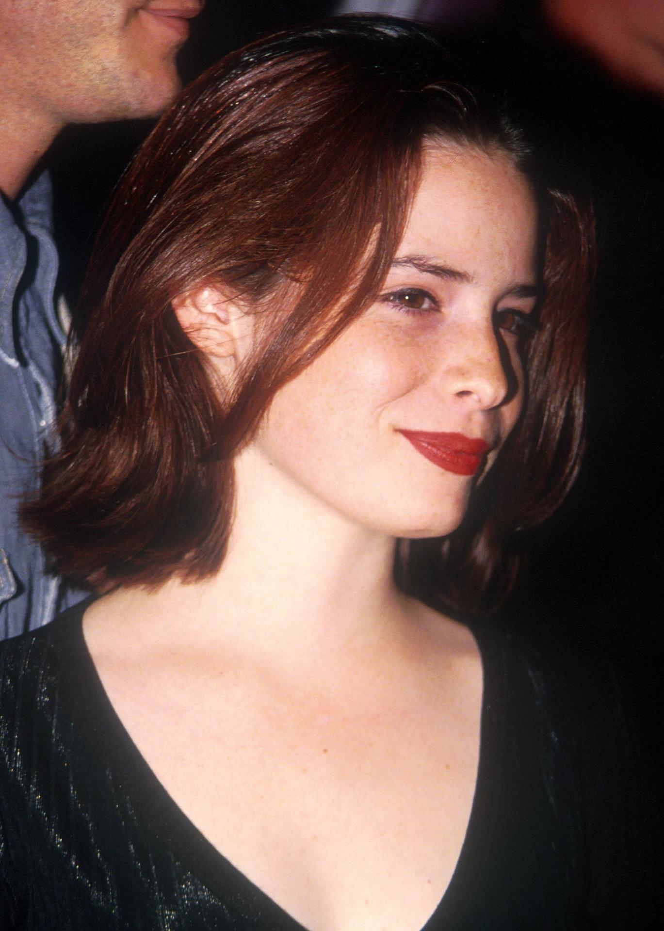 Holly Marie Combs Biography Holly Marie Combs S Famous