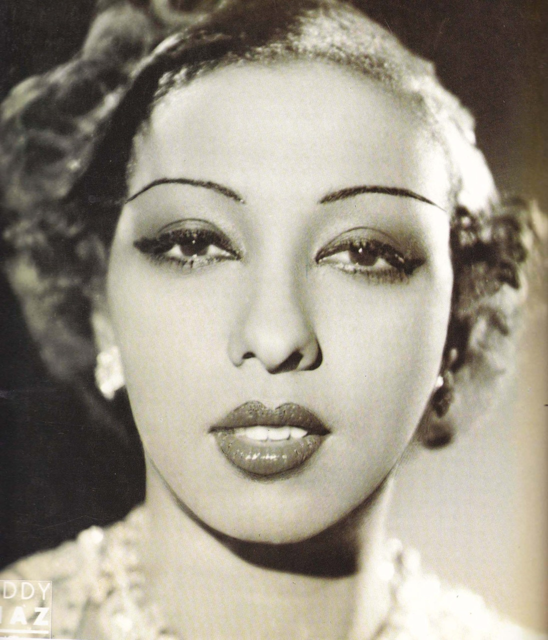 short biography on josephine baker In this witty and highly personal autobiography, public health crusader dr s  josephine baker explains how this transformation was achieved.
