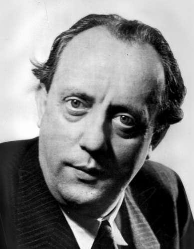 karl amadeus hartmann Karl amadeus hartmann (født 2 august 1905 i münchen, død 5 desember 1963 i münchen) var en tysk komponist selv om det var dem som hyllet ham som den største.