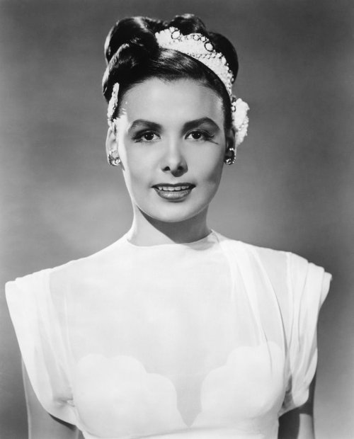 lena horne bio Lena calhoun horne was born june 30, 1917, in brooklyn, new york in her biography she stated that born: june 30, 1917 died: may 9, 2010 (age 92.