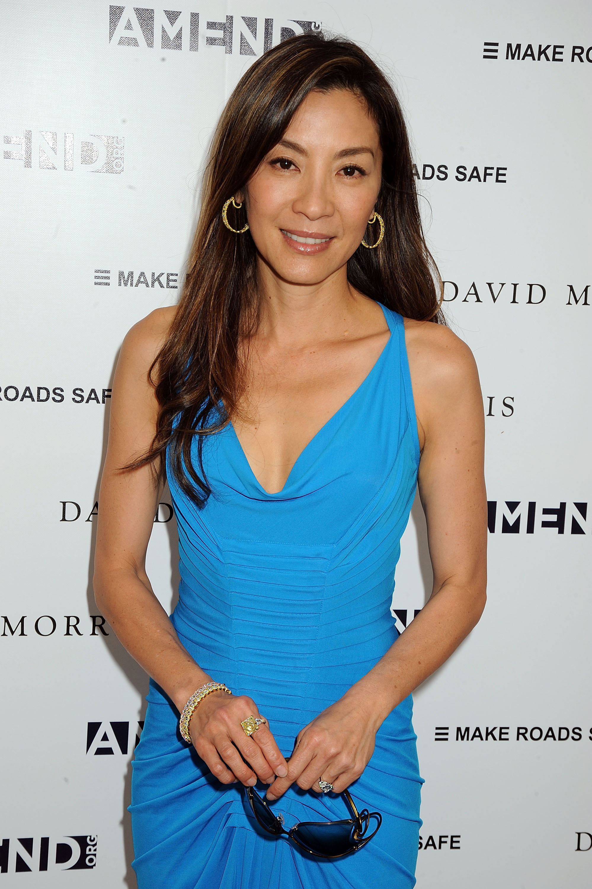 biography dato michelle yeoh Born as yang zi qiong in the mining town of ipoh, in west malaysia, in the lunar year of the tiger, michelle is the daughter of janet yeoh and yeoh.