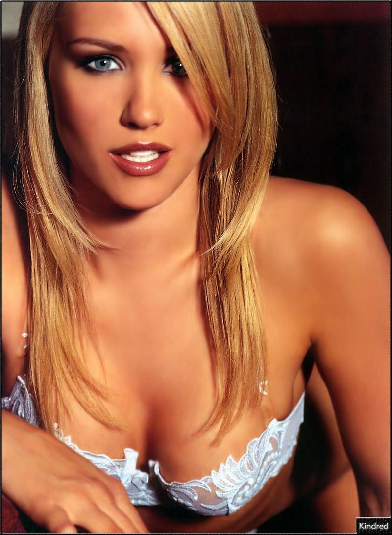 Nicky Whelan photo #2 - Sualci Quotes