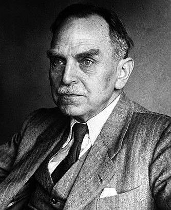 otto hahn biography At age 23, she was the first woman admitted to the university's physics lectures  and  in 1907, she was introduced to radio-chemist otto hahn, who became a.