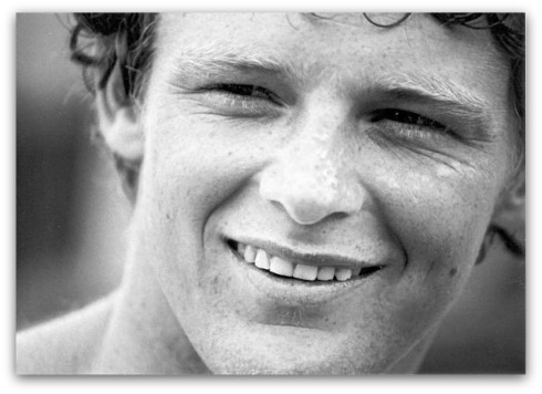a biography of canadian famous athlete terry fox Terry fox, major devinder pal singh, india first blade runner, oscar pistorious,   terry fox was a greater inspiration than world's most well-known prosthetics- enabled athlete, south african oscar pistorious, who is currently in.