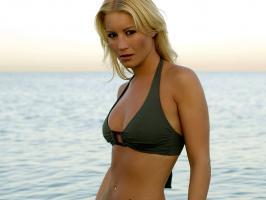 Denise Van Outen profile photo
