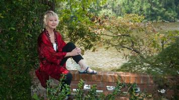 Janette Turner Hospital profile photo