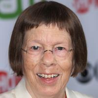 Linda Hunt profile photo