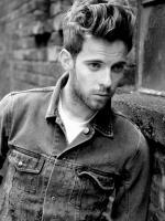 Luke Treadaway profile photo