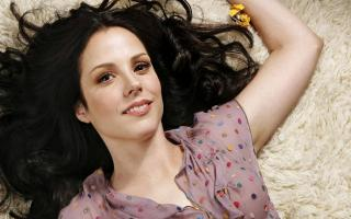 Mary-Louise Parker profile photo