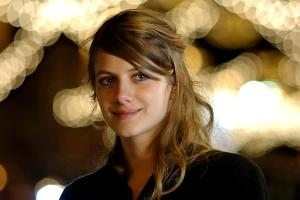 Melanie Laurent profile photo