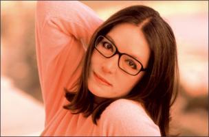 Nana Mouskouri profile photo