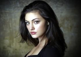 Phoebe Tonkin profile photo