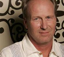 William Hurt profile photo