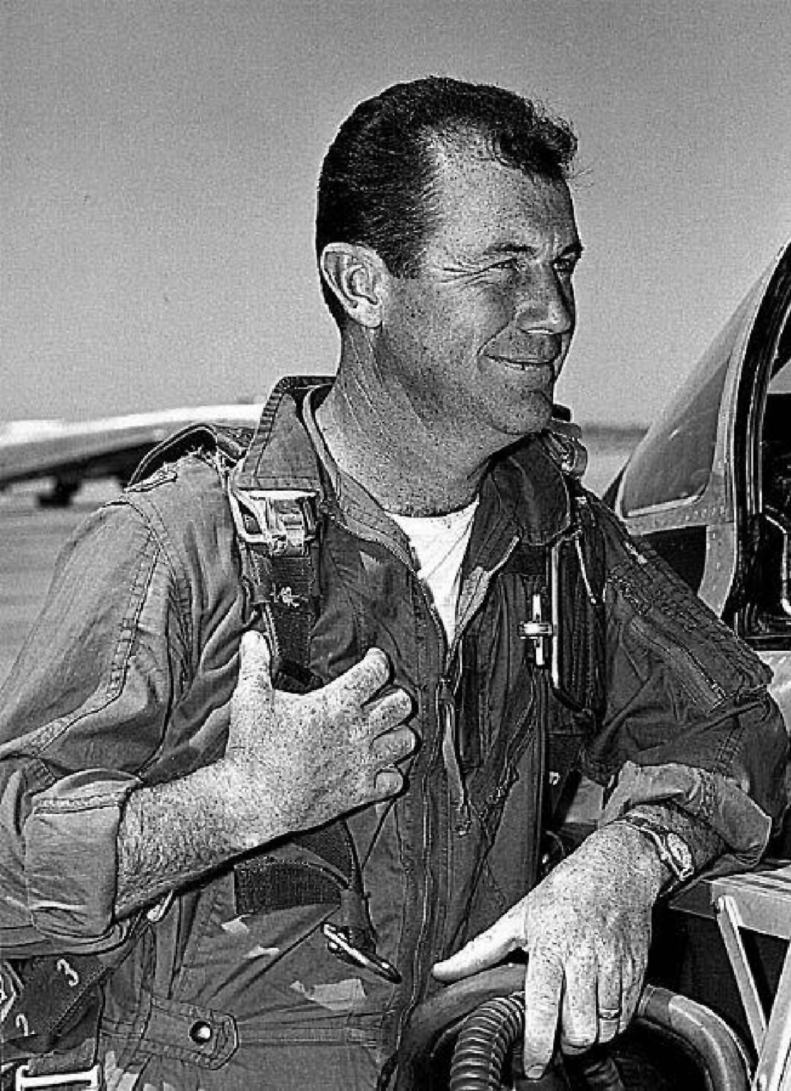 the contributions of chuck yeager in the american air force