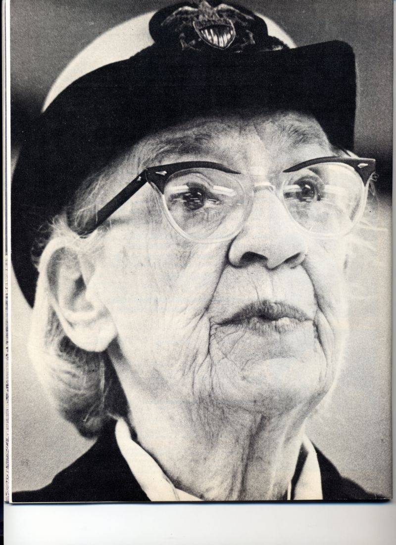 a brief biography of grace hopper Yale is honoring grace murray hopper, the woman who created cobol and helped usher in the age of technology, by naming a building after her in sharing the news, they shared my portrait and her oral biography from my women of wisdom series on their website.