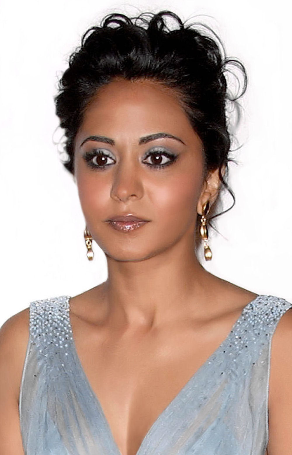 actress parminder nagra won a huge legal battle with her - HD1000×1560