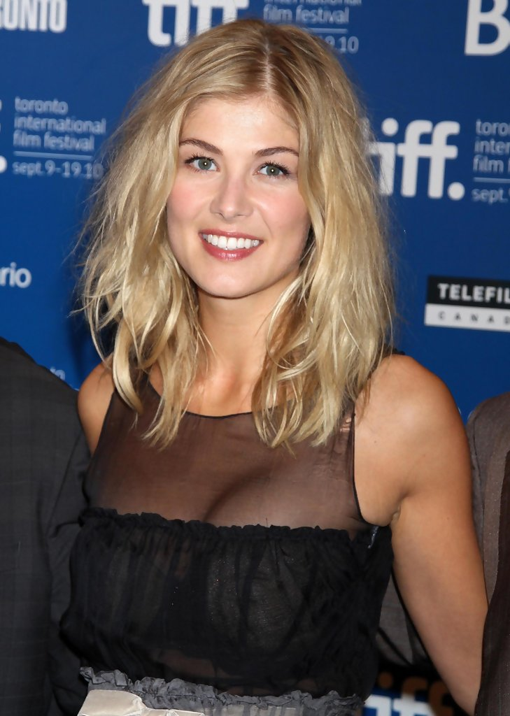 Rosamund Pike Biography, Rosamund Pike's Famous Quotes ...