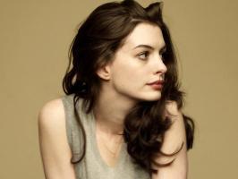 Anne Hathaway profile photo
