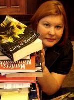 Cassandra Clare profile photo
