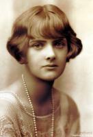 Daphne du Maurier profile photo