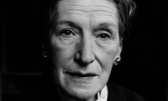 Elizabeth Bowen profile photo