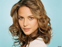 Josie Maran profile photo