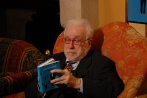 Luciano De Crescenzo profile photo