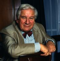 Peter Ustinov profile photo