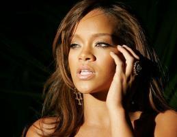 Rihanna profile photo