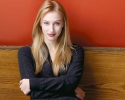 Sarah Gadon profile photo